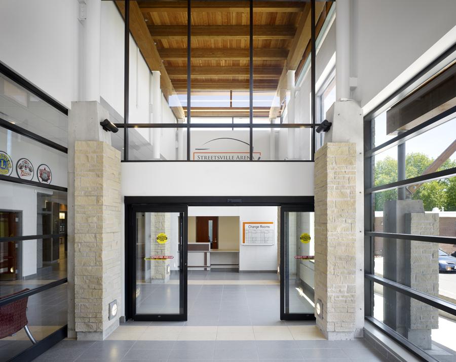 © Parkin Architects Ltd. | Vic Johnston Arena / Streetsville Arena