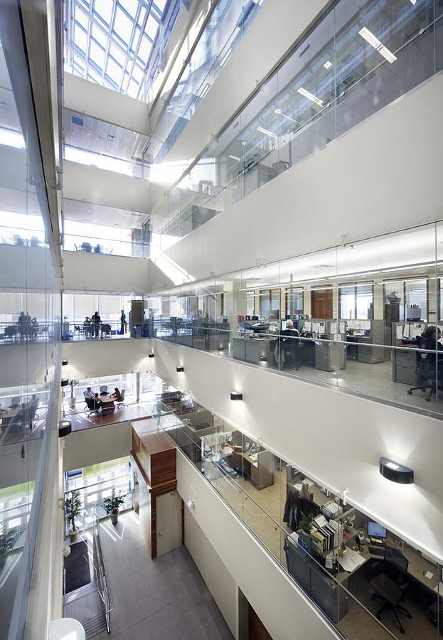 © Parkin Architects Ltd.   Hamilton Health Sciences, David Braley Cardiac Vascular Stroke Research Institute